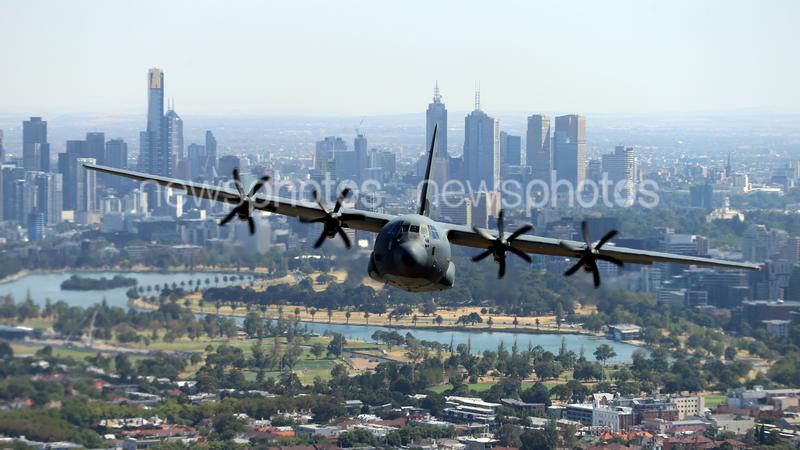 Hercules C-130J Flies Over Melbourne